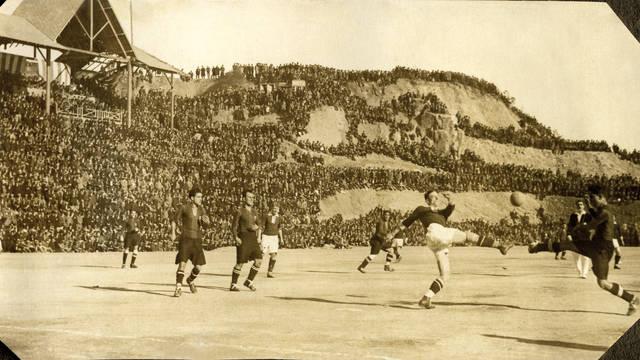 Vintage photo of a game at La  Foixarda