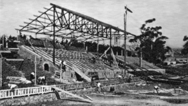 Old black and white picture of Les Corts Stadium
