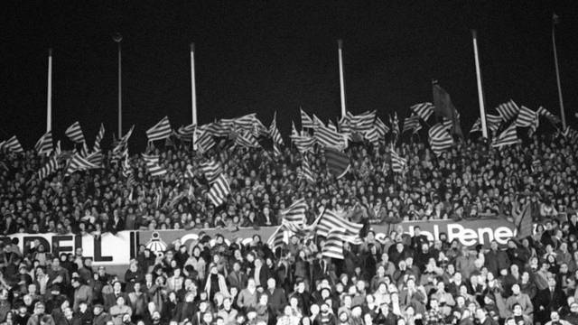 Photo of Barça supporters during the Madrid match in 1975