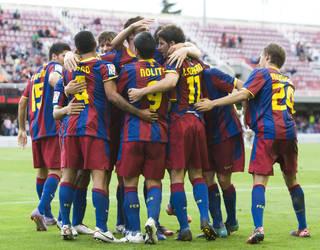 Image of the Barça B players celebrating together