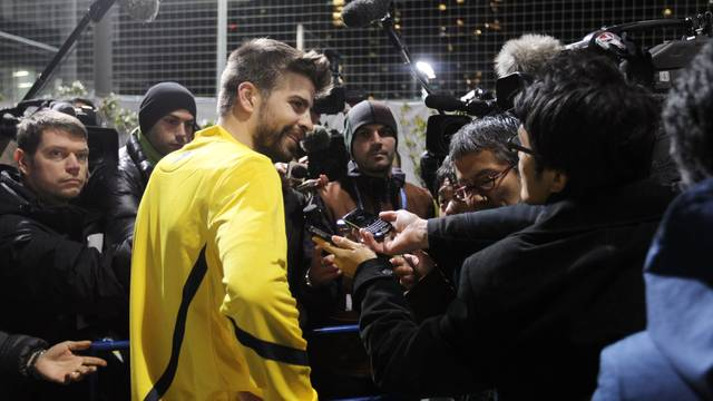 Roda de premsa de Piqué i Mascherano a Japó. FOTO: MIGUEL RUIZ (FCB).