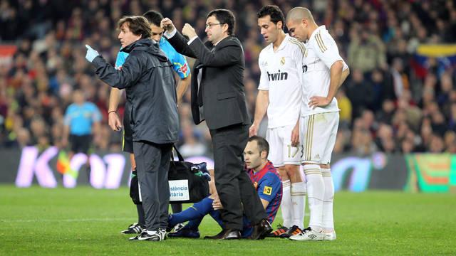 http://media4.fcbarcelona.com/media/asset_publics/resources/000/010/499/size_640x360/2012-01-25_FCB-MADRID_11.v1327529772.JPG