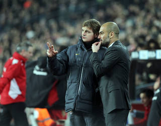 Guardiola, amb Tito Vilanova  / FOTO: MIGUEL RUIZ - FCB