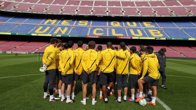 Training session 16/04/2012 / PHOTO: MIGUEL RUIZ-FCB
