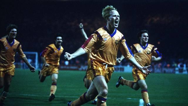 Koeman celebrates his goal in the 1992 Wembley Final / PHOTO: ARXIU FCB