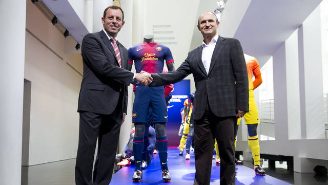 FC Barcelona President, Sandro Rosell, with the general director of Nike, Marcos Garzo / PHOTO: ÁLEX CAPARRÓS - FCB