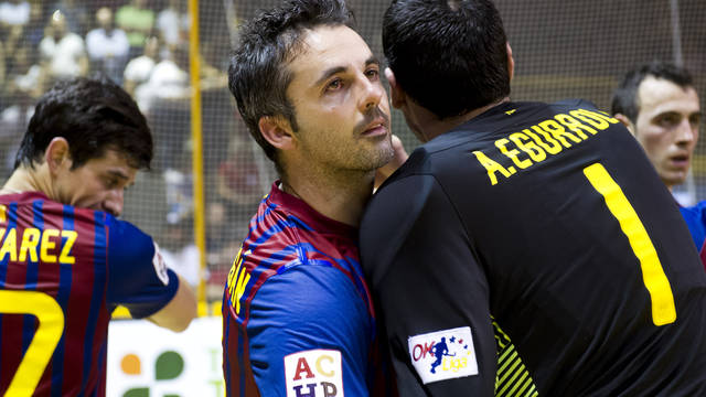 Borregán and Egurrola after the final match of the European League in Lodi / PHOTO: ÀLEX CAPARRÓS-FCB