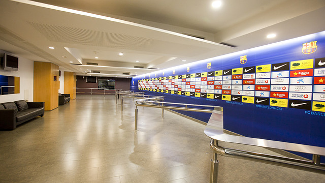 Mixed zone view of all the room and the Barça TV estudio