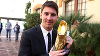 Messi with the Golden Boot award / PHOTO: MIGUEL RUIZ - FCB