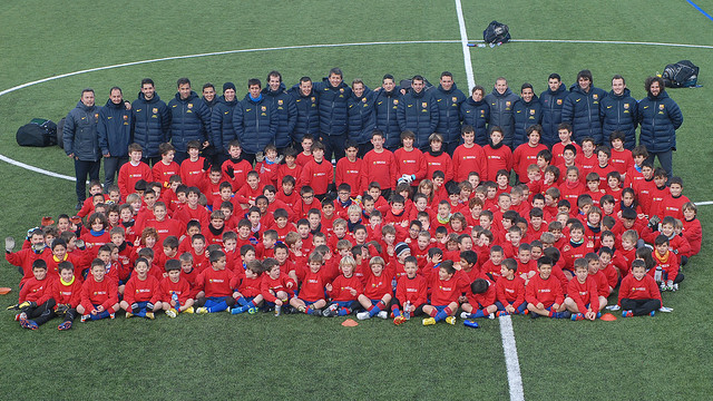 family photo of fcb escola pupils