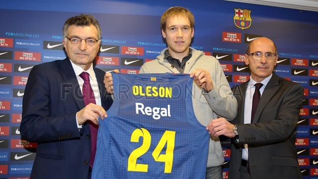 Oleson is officially presented PHOTO: MIGUEL RUIZ - FCB
