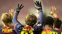 Els companys de Grimaldo li han dedicat el gol de Rafinha / FOTO: GERMÁN PARGA - FCB