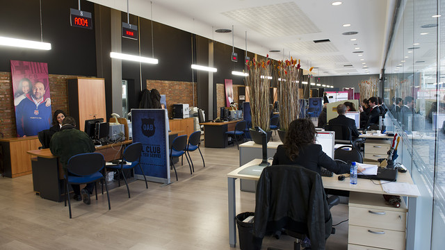 La nova rea social foto lex caparr s fcb for Oficinas seguridad social barcelona horarios