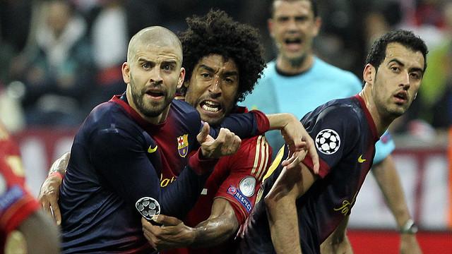 Piqué i Dante en el partido de ida / FOTO: MIGUEL RUIZ - FCB