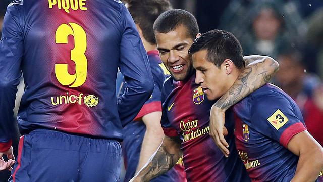 Alexis celebrates scoring against Betis / PHOTO: MIGUEL RUIZ – FCB