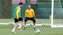 Green light for Mascherano and Valdés