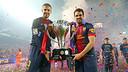 Piqué i Cesc, amb el títol de Lliga / FOTO: MIGUEL RUIZ - FCB