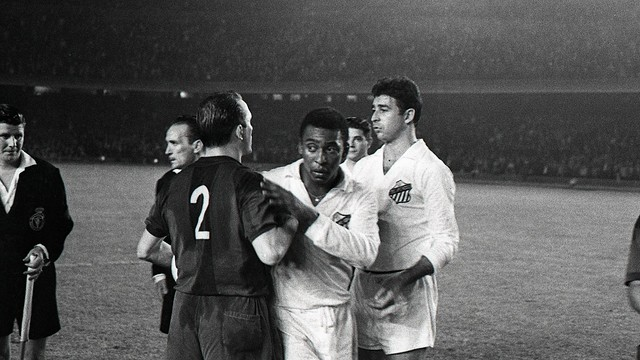 ele in the Santos game at the Camp Nou in 1963 / PHOTO: FCB ARCHIVE