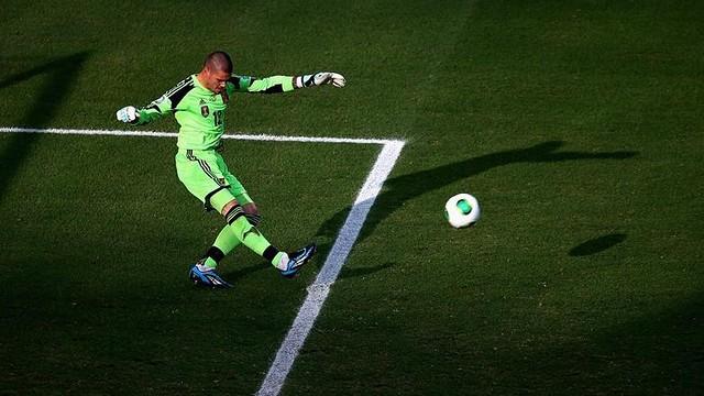 Valdés against Nigeria. PHOTO: FIFA.COM