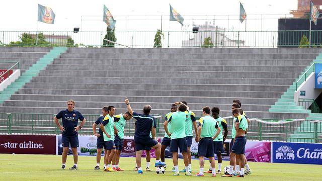 Gerardo Martino taking Tuesday's first session / PHOTO: MIGUEL RUIZ - FCB