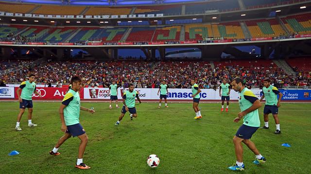 Barça train in Kuala Lumpur this Friday evening / PHOTO: MIGUEL RUIZ - FCB