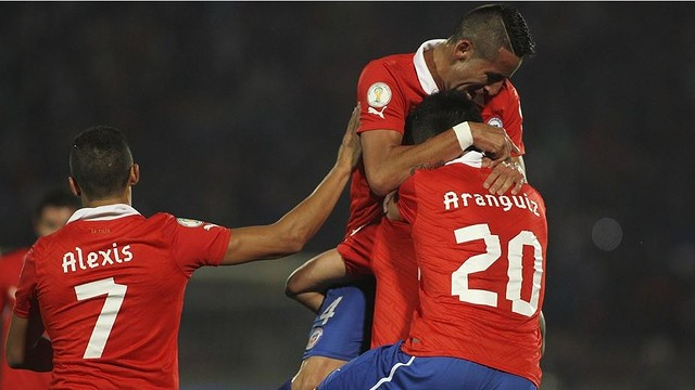 Alexis playing for Chile / PHOTO: FIFA.COM