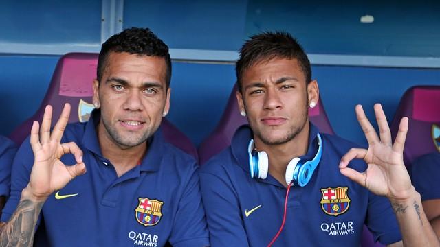 Alves and Neymar / PHOTO: MIGUEL RUIZ - FCB