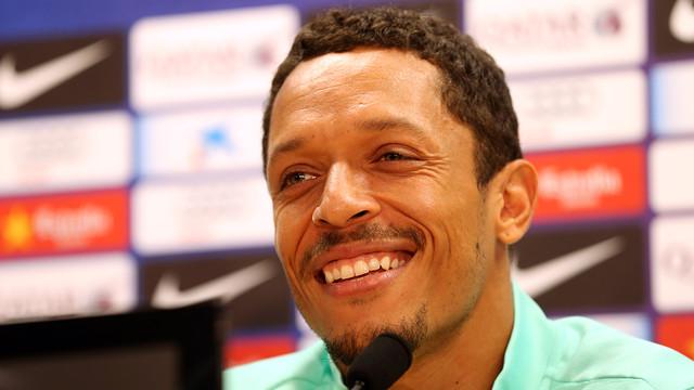 Adriano at the press conference. PHOTO: MIGUEL RUIZ - FCB