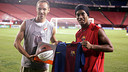 Nash and Ronaldinho / Photo - FCB Archive