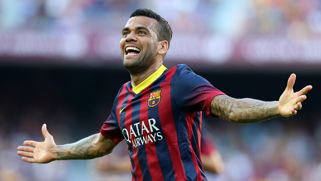 Dani Alves is a candidate for the FIFA/FIFPro World XI / PHOTO: MIGUEL RUIZ-  FCB