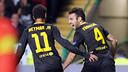 Neymar and Cesc celebrate the Catalan's goal / PHOTO: MIGUEL RUIZ-FCB