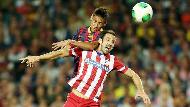 Neymar Jr y Juanfran, durante la vuelta de la Supercopa de España / FOTO: MIGUEL RUIZ-FCB