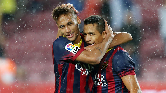 Neymar and Alexis after the game with Valladolid / FOTO: MIGUEL RUIZ - FCB
