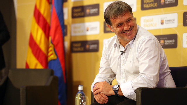 Martino smiles during the discussion / PHOTO: MIGUEL RUIZ - FCB