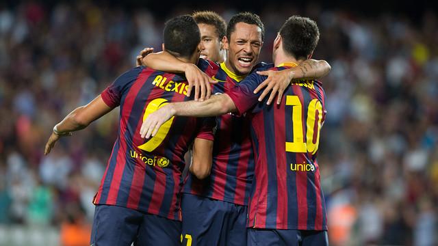 Adriano, celebrating a goal / PHOTO: ARXIU FCB
