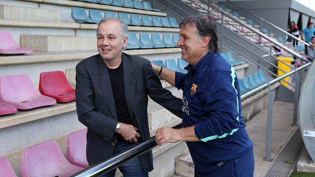 Argentina manager Alejandro Sabella at Thursday's training session / PHOTO: MIGUEL RUIZ-FCB