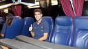 Cesc Fàbregas in the team coach on his way to the team hotel / PHOTO: MIGUEL RUIZ - FCB