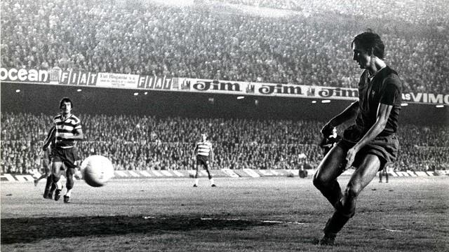 Cruyff's first goal. PHOTO: Arxiu FCB