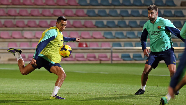 Alexis and Piqué / PHOTO: MIGUEL RUIZ-FCB