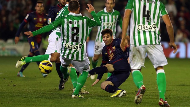 Messi's brace at the Benito Villamarín last season beat Müller's record for goals in a calendar year. / PHOTO: FCB ARCHIVE