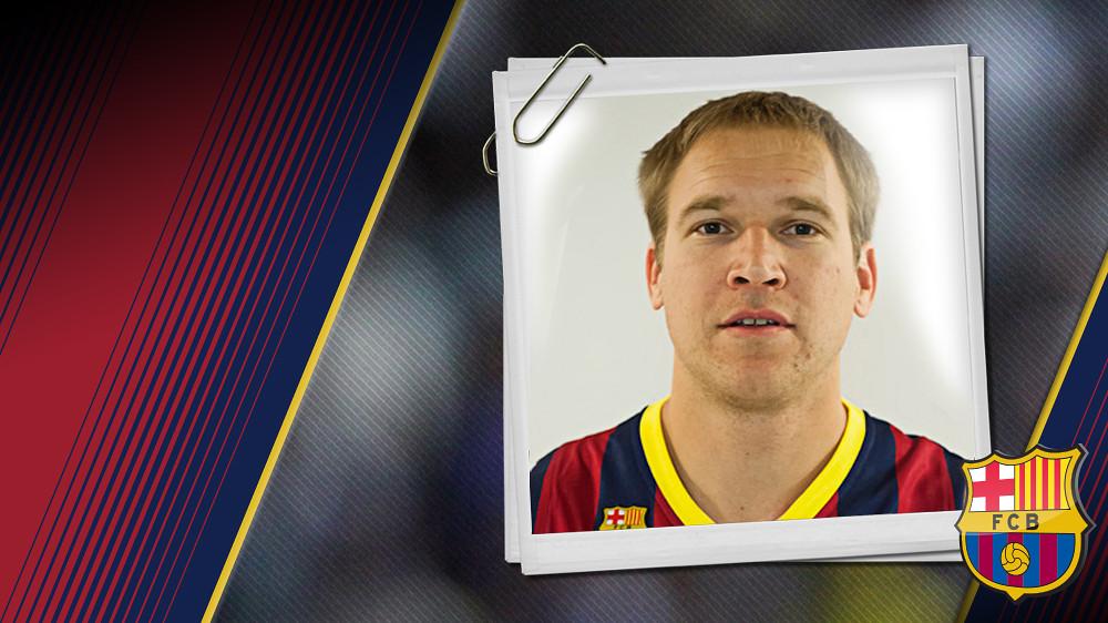 Imatge oficial d'Oleson amb la samarreta del FC Barcelona