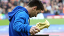 Leo Messi et son Soulier d'Or au Camp Nou / PHOTO: MIGUEL RUIZ - FCB