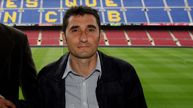Valverde pictured with former Barça manager Frank Rijkaard