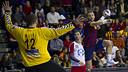 Víctor Tomás taking on Milic. PHOTO: V. SALGADO - FCB