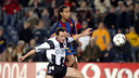 Ronaldinho and Pablo Pinillos faced each other the last time the clubs met in the Copa del Rey. / PHOTO: ARXIU-FCB