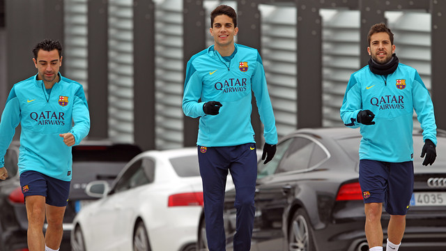 Marc Bartra, Jordi Alba and Xavi walking to training/ PHOTO: MIGUEL RUIZ - FCB