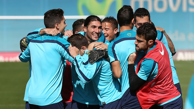 Spécial Messi et FCBarcelone - Page 40 Pic_2014-03-15_ENTRENO_29.v1394887458