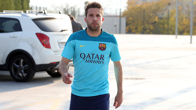 Jordi Alba on his way to the press room / PHOTO: MIGUEL RUIZ-FCB