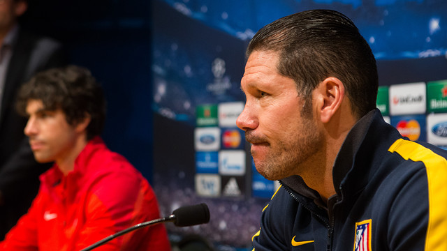 Simeone in the Ricard Maxenchs press room at the Camp Nou / PHOTO: GERMÁN PARGA - FCB