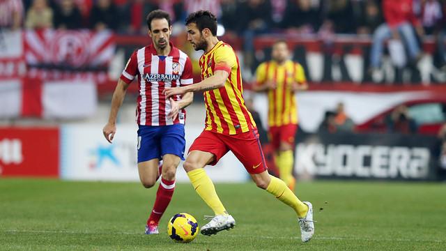 Cesc at the Vicente Calderón./ PHOTO: MIGUEL RUIZ-FCB